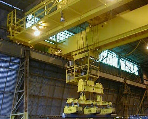 Steel Mill Electromagnetic Bridge Traversing Cab Shipping Crane for Sale over length electromagnetic overhead crane with carrier-beam suppliers