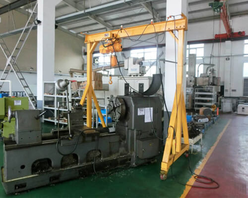 Gantry Crane for Small Machine Shop