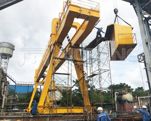 Grab Bucket Gantry Crane In Thailand