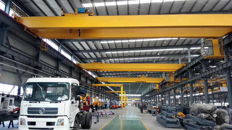 European Standard 20 Ton Overhead Crane in Workshop