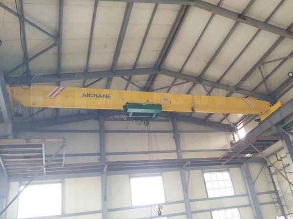 LD 16 Ton Overhead Crane in Workshop
