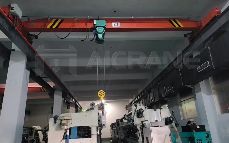 2 Ton Overhead Crane in Workshop