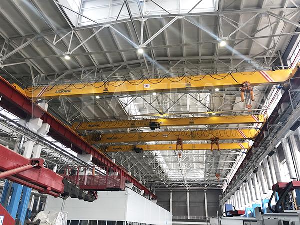 HD Overhead Crane in Workshop
