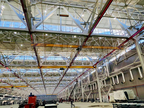LX Three-pivot Underhung Crane in Industrial Plant
