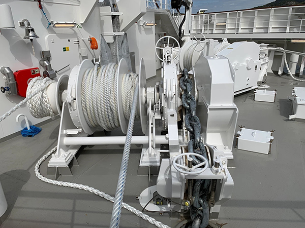 Electric Anchor And Mooring Winch Design
