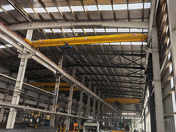 AQ-LD 1 Ton Overhead Crane in Workshop